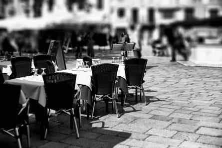CAFÉ CULTURE: HARRIS LAMB MARKETS HIGH STREET OPPORTUNITY IN KIDDERMINSTER