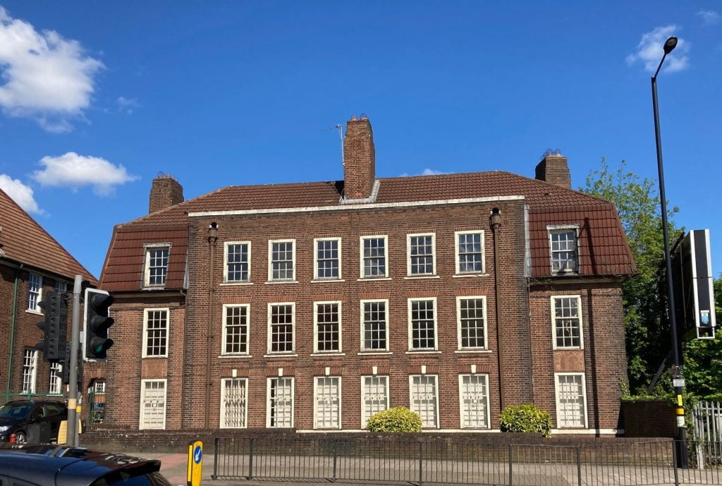 KINGS NORTON FIRE STATION APARTMENTS DESTINED FOR NEW LEASE OF LIFE